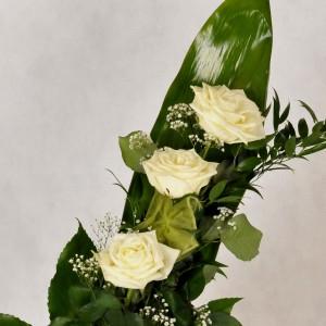 Róże na liściu