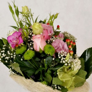 Bukiet z eustomy i róży