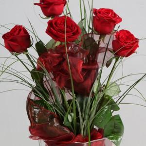 Bukiet z 5 bordowych róż