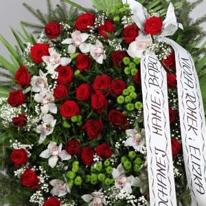 Wieniec pogrzebowy z róż i storczyków