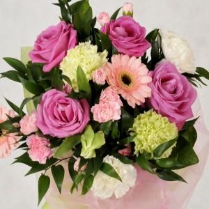 Cukierkowo kolorowy bukiet z róż, gerber i goździków